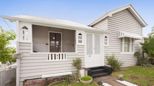 Strong demand for houses sees even Brisbane renovators and fixer-uppers nabbing $1M-plus now