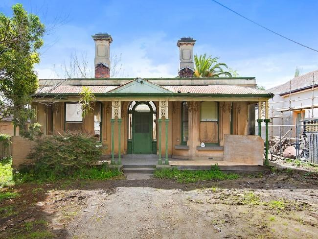 Melbourne home destroyed by fire sells for almost $3m